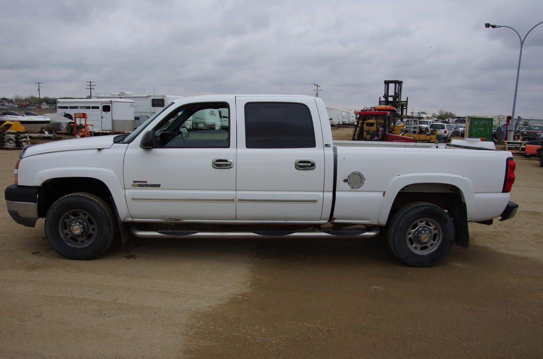 5th wheel towing capacity for 2014 denali duramax diesel 2500 autos post. Black Bedroom Furniture Sets. Home Design Ideas